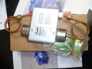 Bitzer oil pressure switch mp54- Bộ bảo vệ áp lực dầu máy nén Bitzer